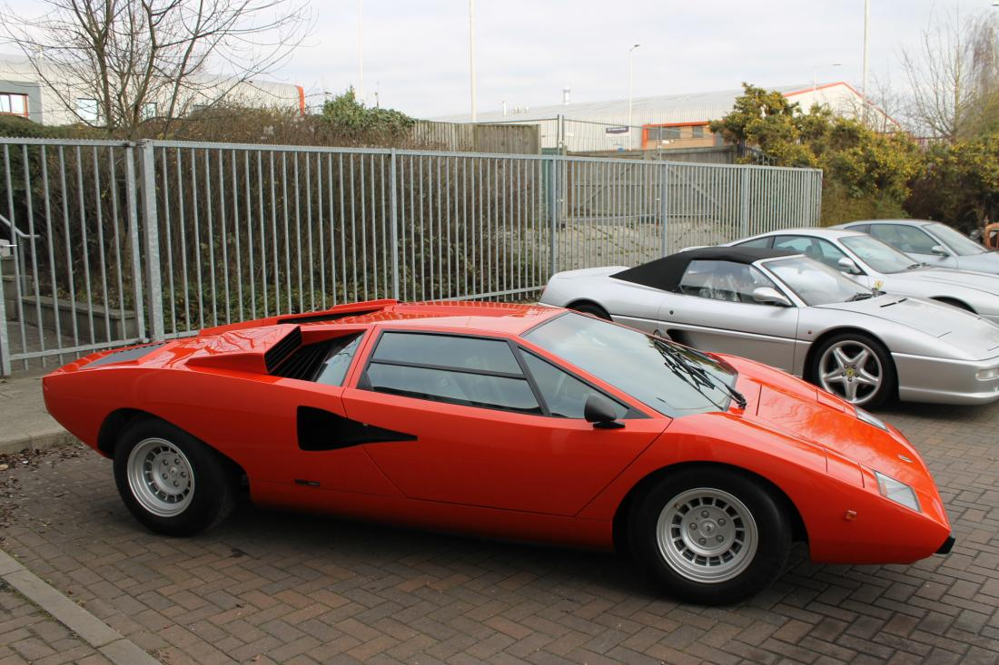 lamborghini countach lp400 periscopo for sale in ashford kent simon furlonger specialist cars. Black Bedroom Furniture Sets. Home Design Ideas